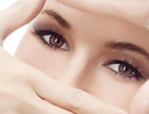皮肤干燥缺什么维生素