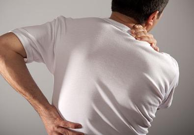 后背疼是肾虚吗