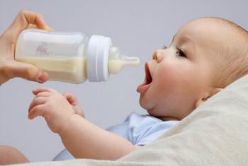 宝宝奶粉过敏症状有哪儿些?怎么解决来教你!
